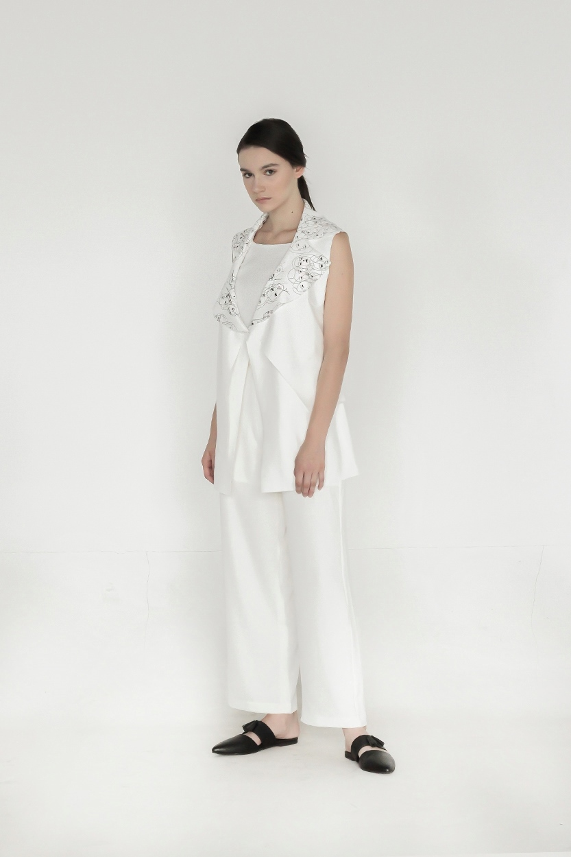 Picture of Cass in White