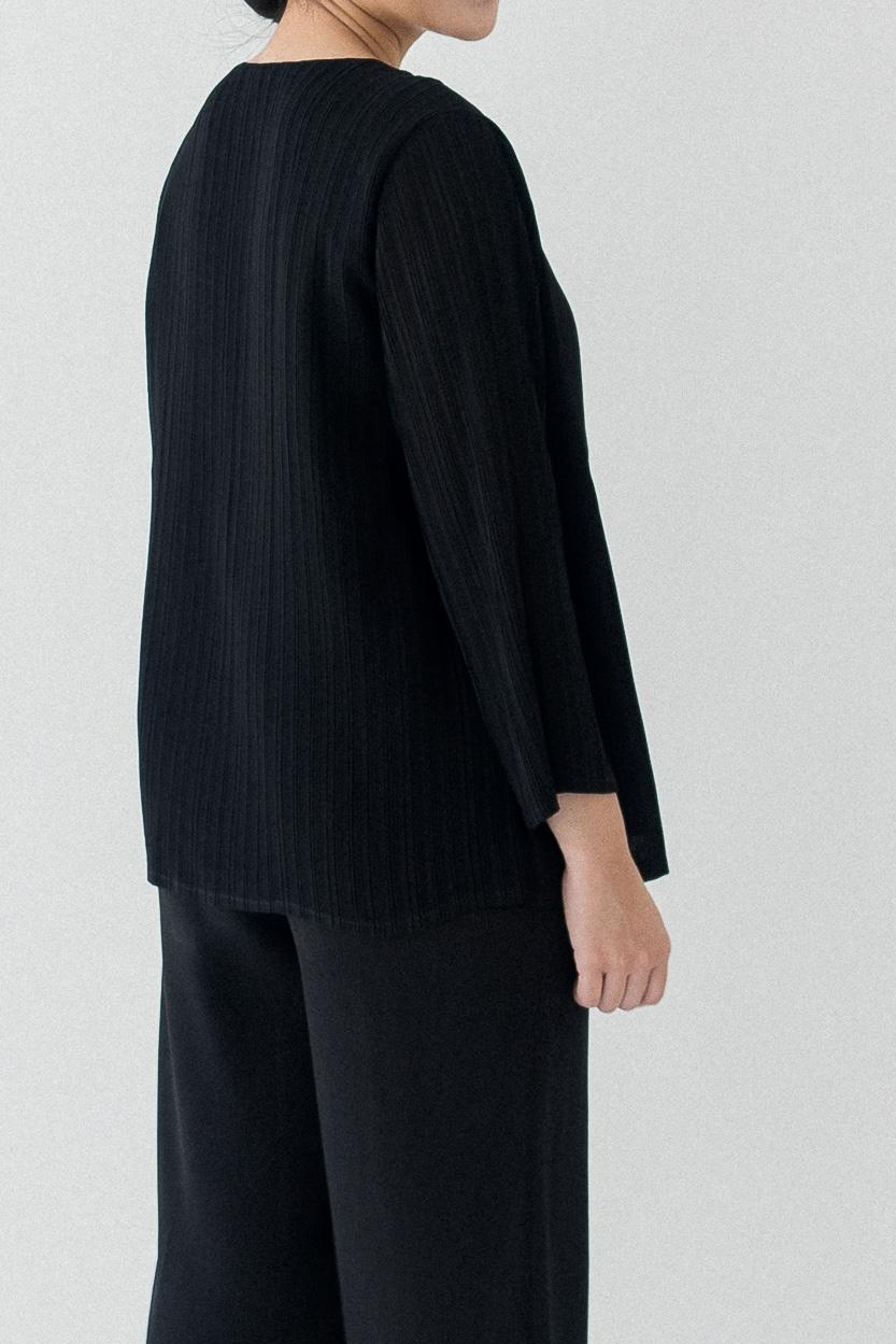 Picture of Ciras in Black