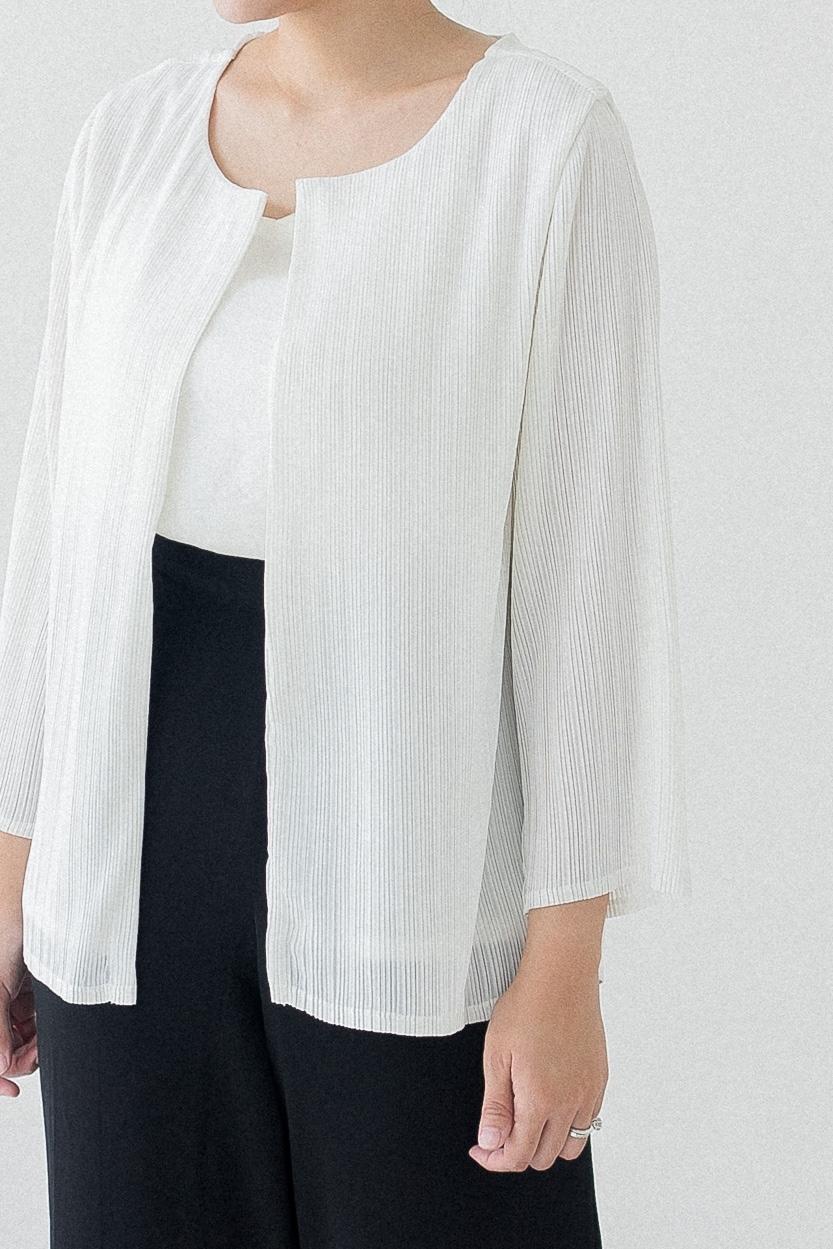 Picture of Ciras in White