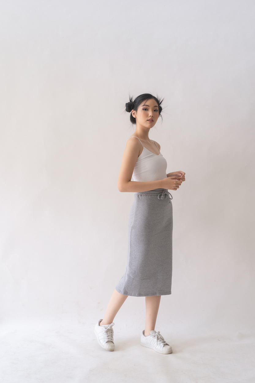 Picture of Nashi in Grey