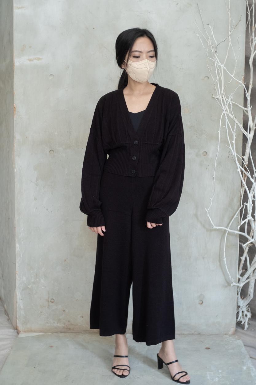 olwen black-01
