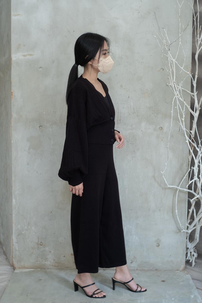 olwen black-02