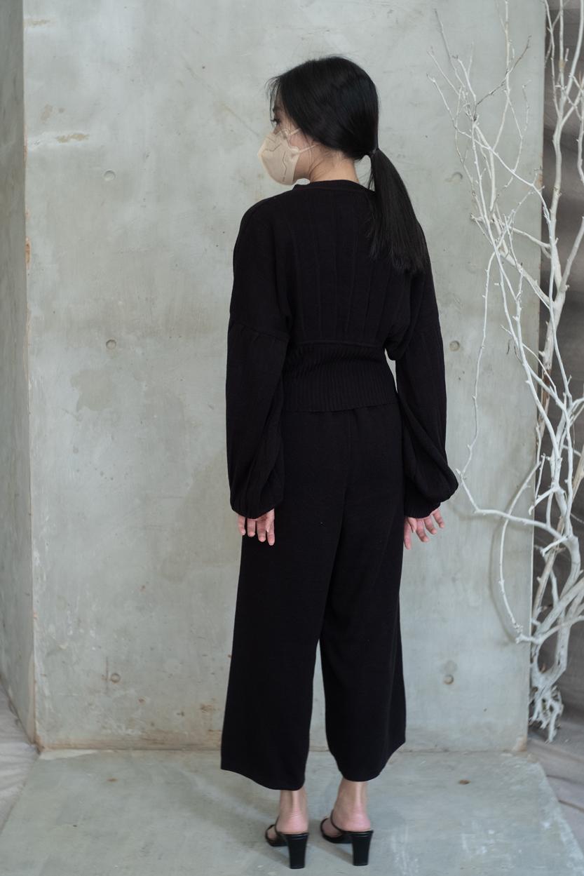 olwen black-04